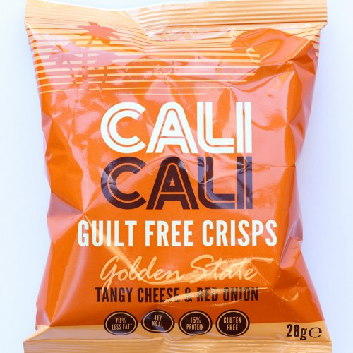 Cali Cali Golden State - Tangy Cheese and Red Onion crisps - Sharing bag - 84g
